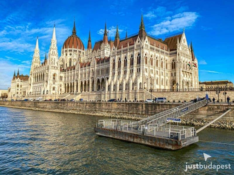 Free Sightseeing Cruise in Budapest